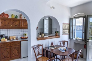 Likno Villas Oia Santorini - Traditional Villa